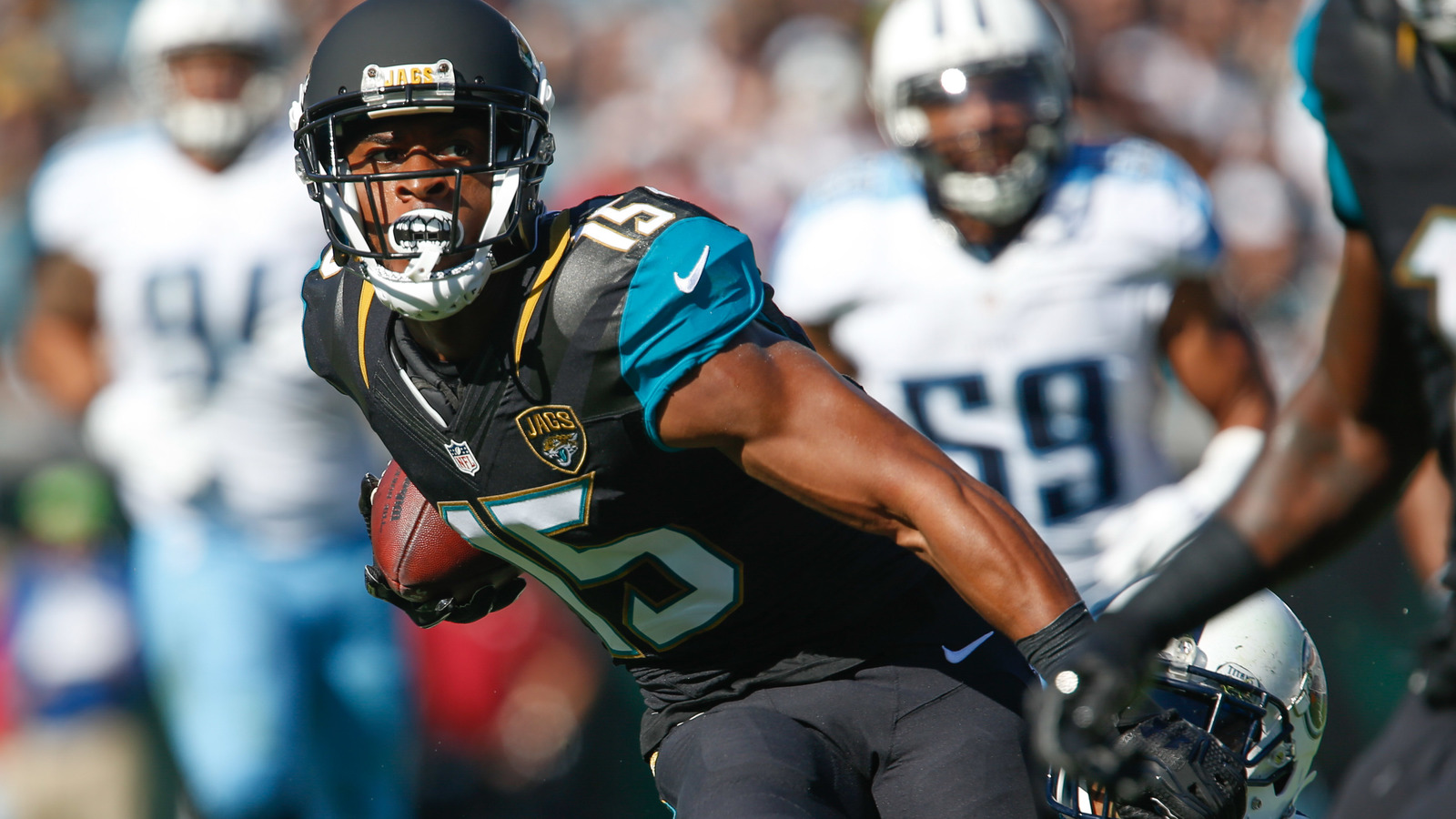 Allen Robinson leaves with knee injury ...