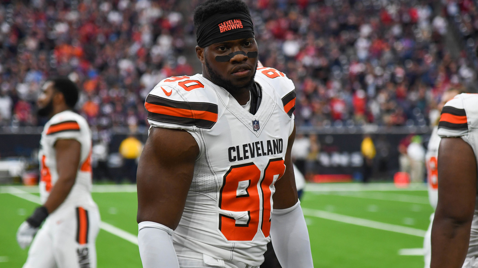 Browns' Emmanuel Ogbah Not Amused By 0-16 Parade