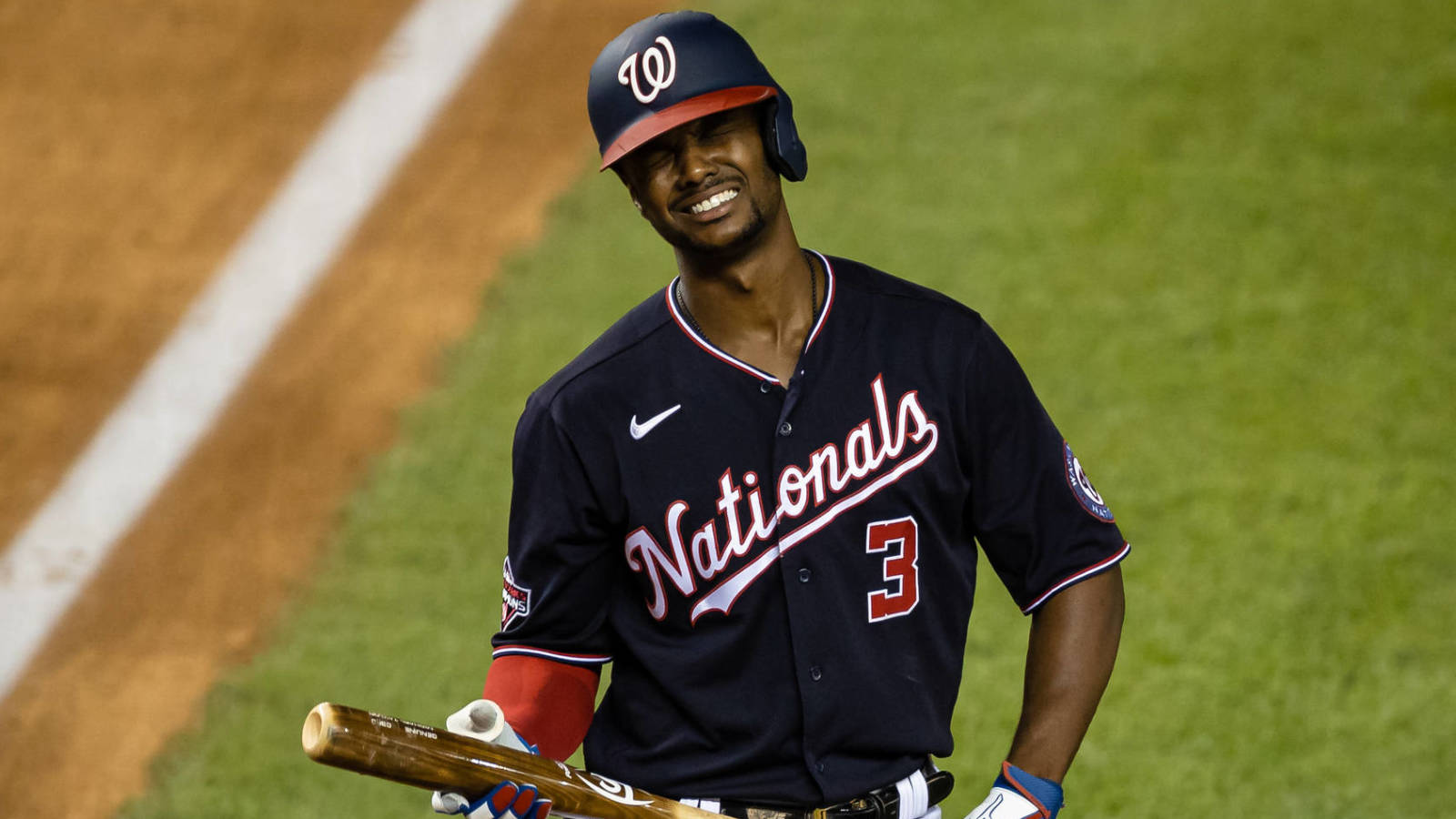 Nationals OF Michael A. Taylor clears waivers, elects free agency