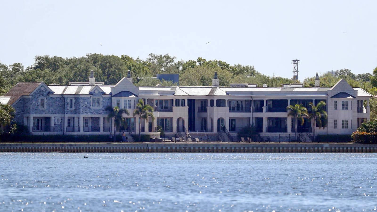 Report: Tampa police placing extra security around Tom Brady's home