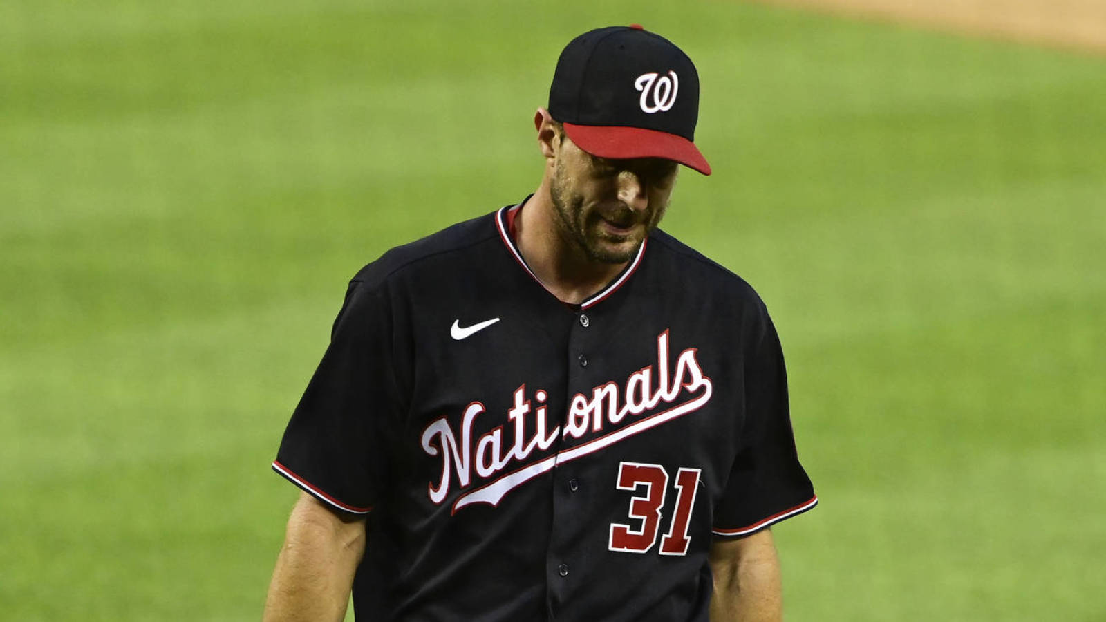 Max Scherzer leaves early due to injury