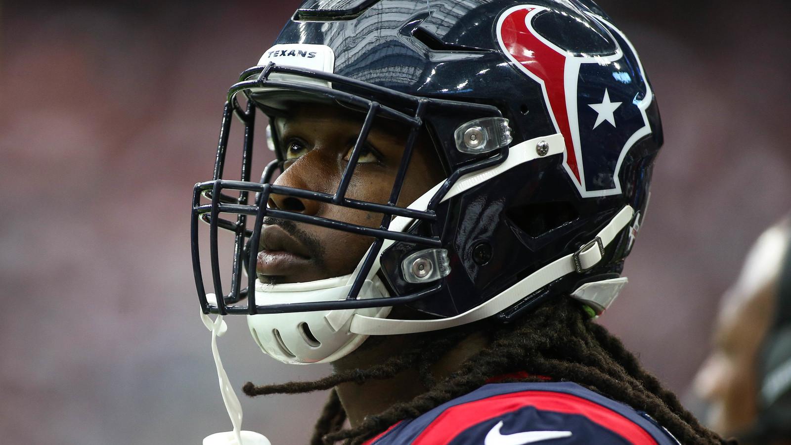 Jadeveon Clowney destroys Ravens player on block attempt