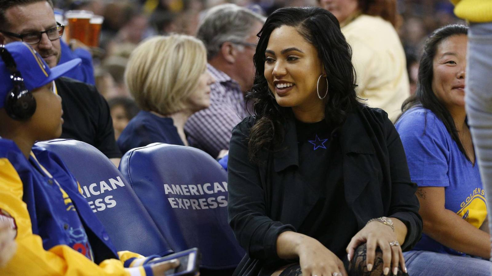 Ayesha Curry changes hair after drawing attention for blond look