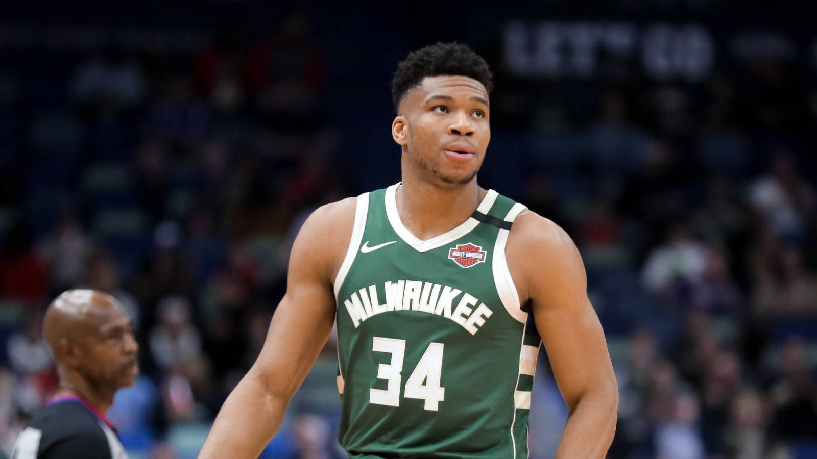 Giannis' agent: My client 'believes in loyalty'; staying in Milwaukee is viable