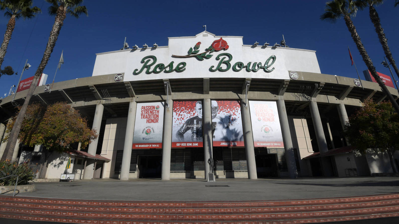 Rose-bowl-fiesta-bowl-allow-fans-due-covid-19
