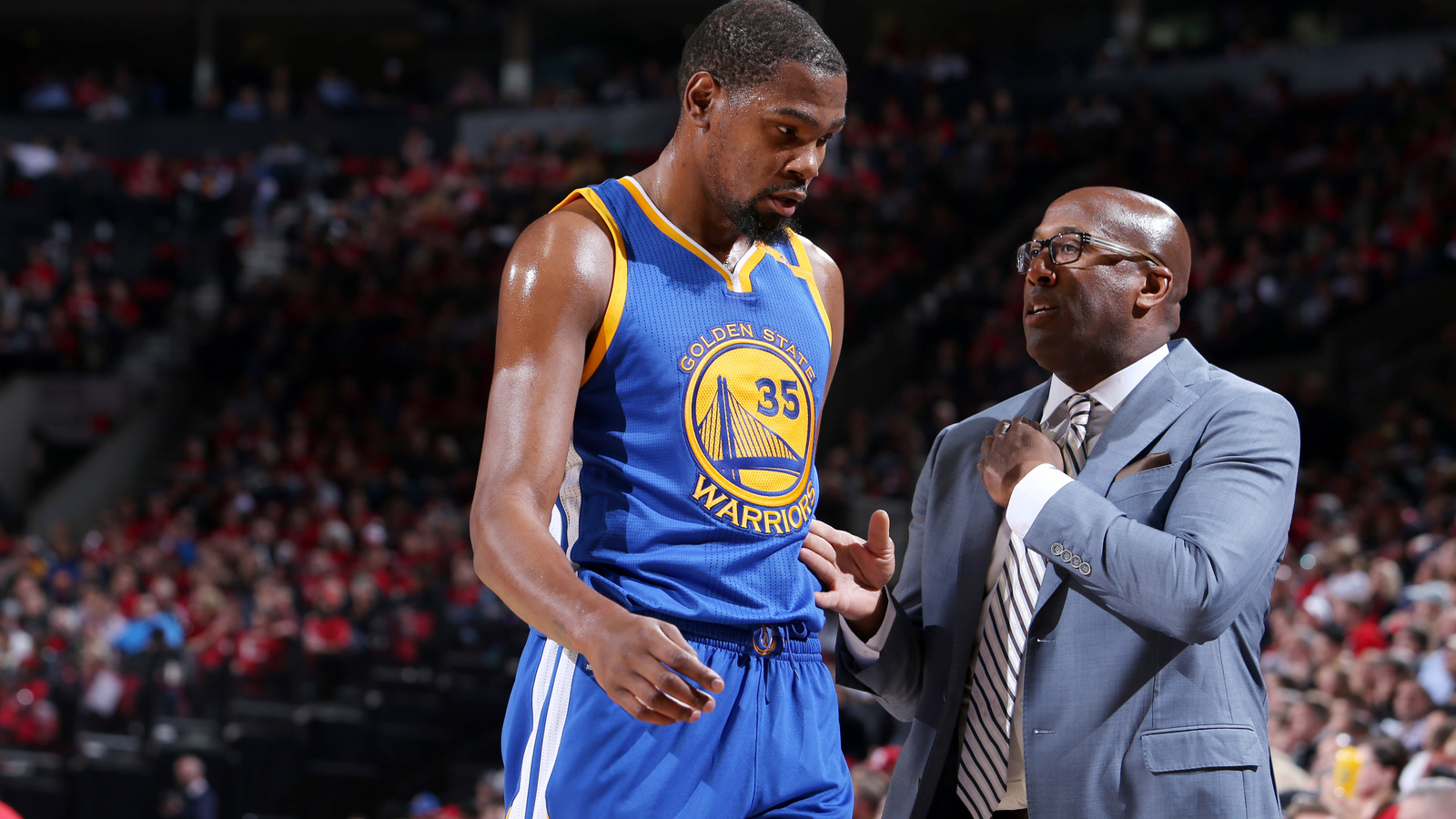 La clippers the impact of blake griffins surgery on the team foxsports com - Mike Brown And Kevin Durant Of The Golden State Warriors Talk During The Game Against The Portland Trail Blazers During Game Four Of The Western Conference