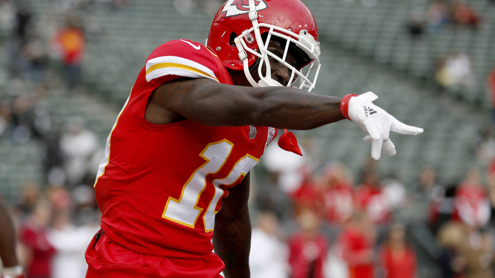 Watch Cowboys forgot how to tackle on Tyreek Hill TD