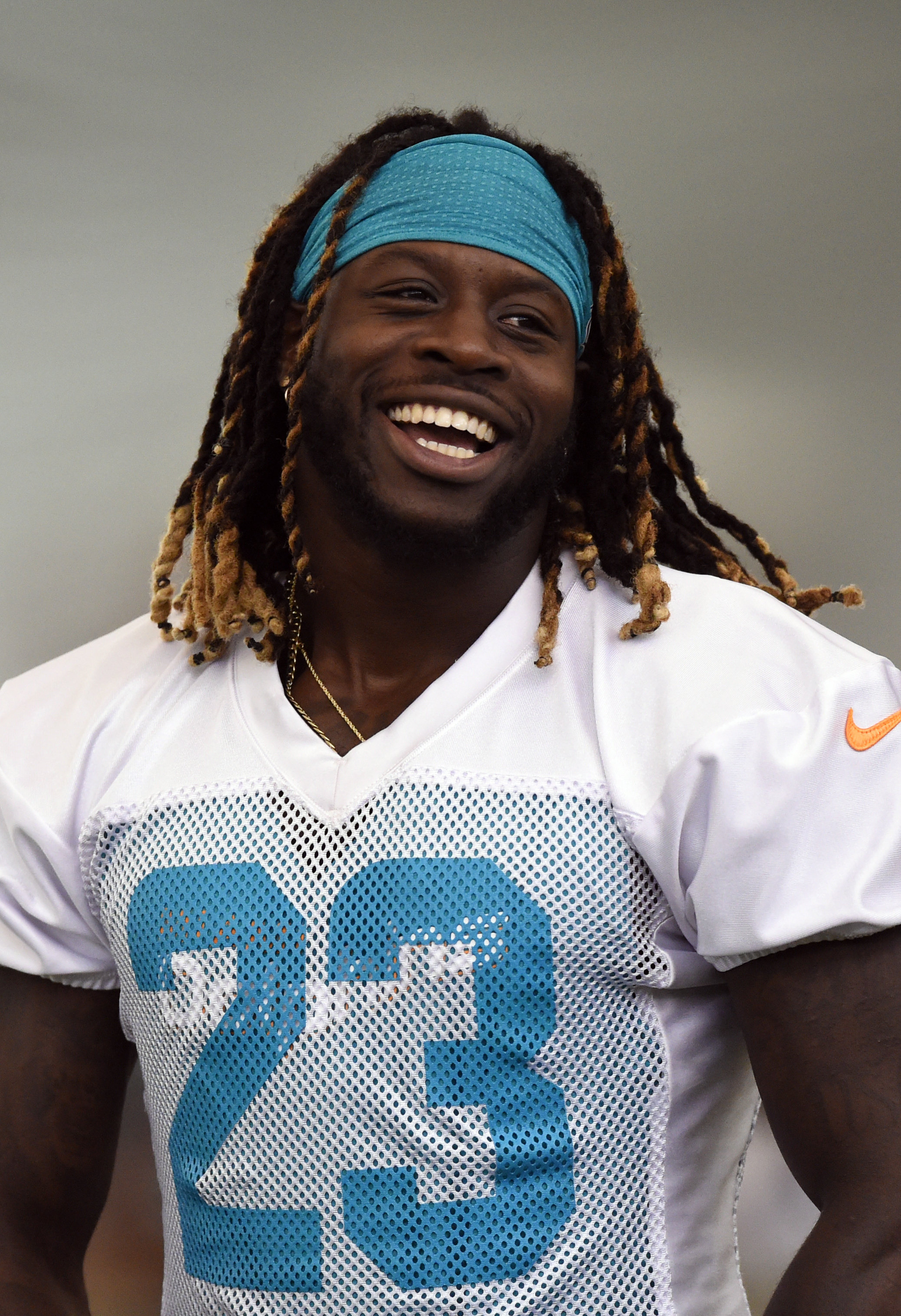 Jay Ajayi still not practicing two weeks after suffering ...