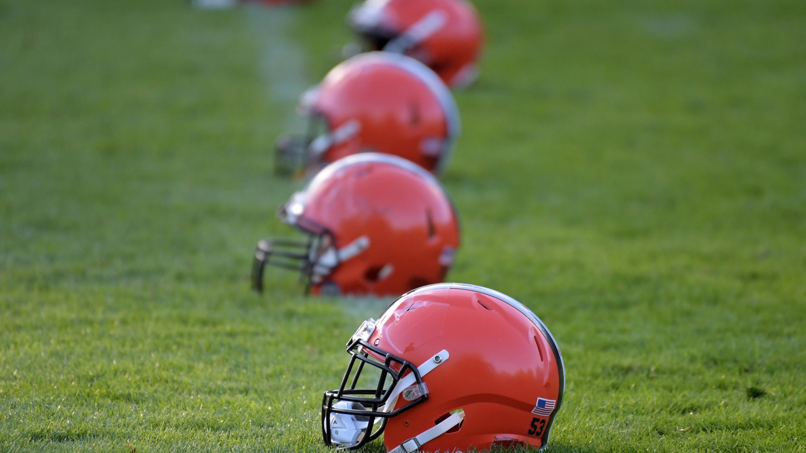 bud light to give away free beer once browns win a game yardbarker com