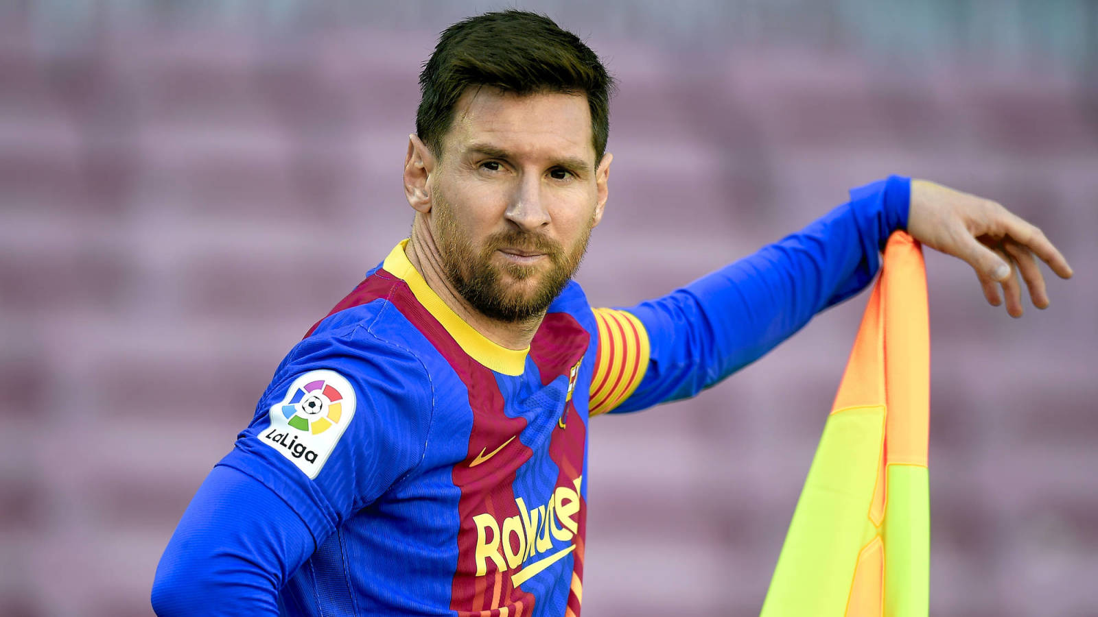 Will Lionel Messi sign with Paris Saint-Germain next week?