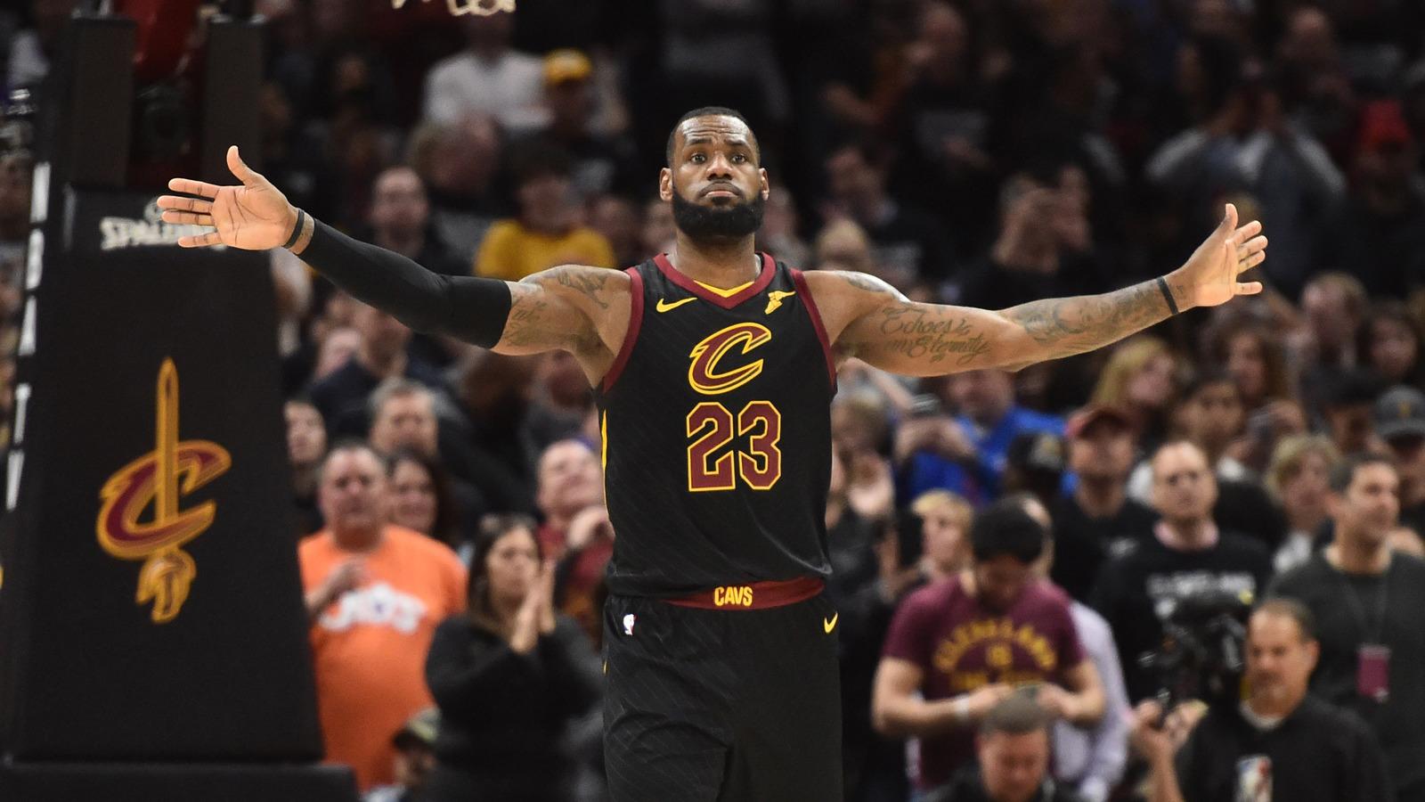 Former Michael Jordan Teammate Calls LeBron Best Ever