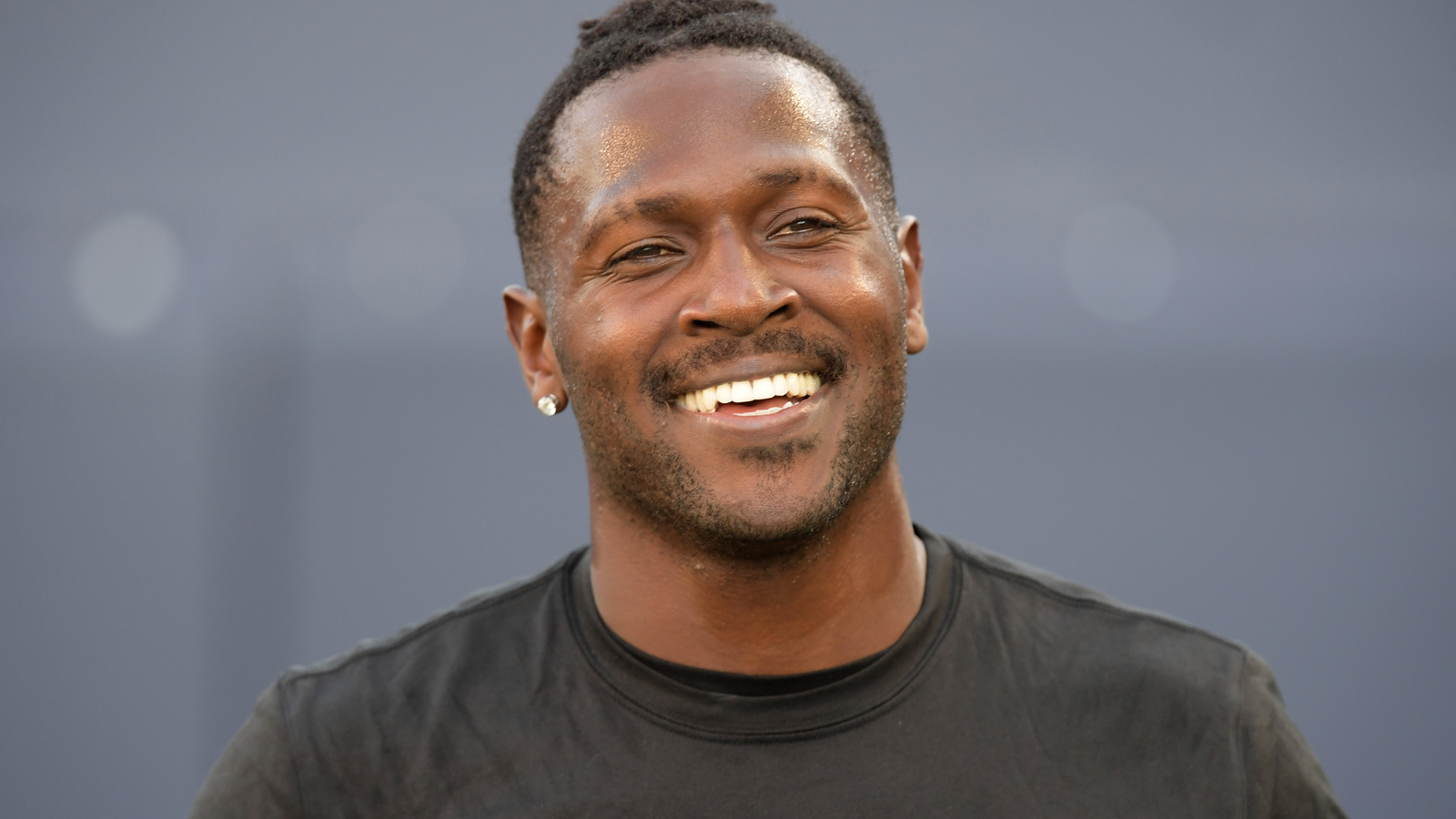 Antonio Brown hints he would welcome return to the Raiders