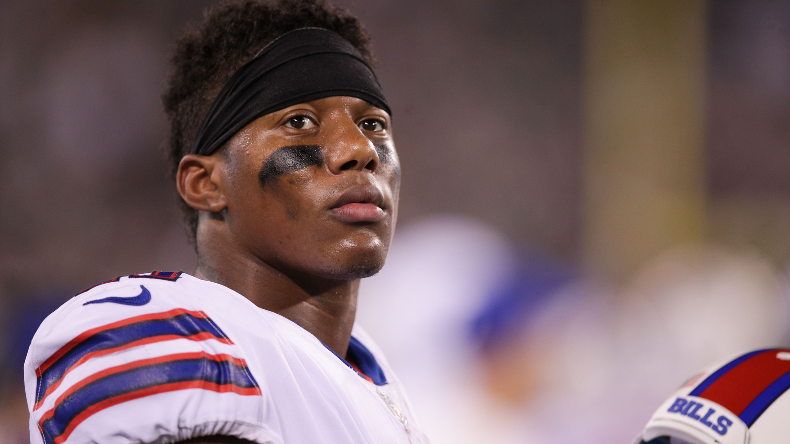 Zay jones arrested while naked nearly jumped out of building zay jones arrested while naked nearly jumped out of building yardbarker voltagebd Images
