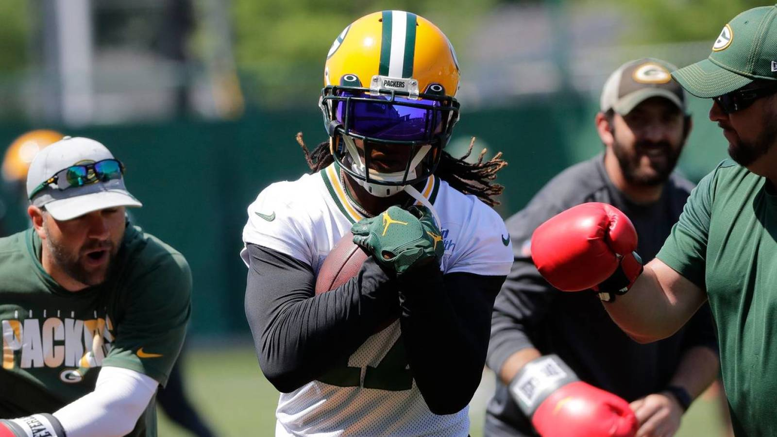 Davante Adams hints again that he could leave the Packers after the season