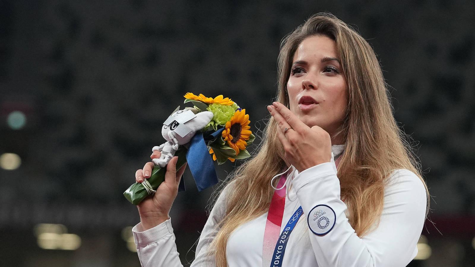 polish olympian sells her silver medal raise