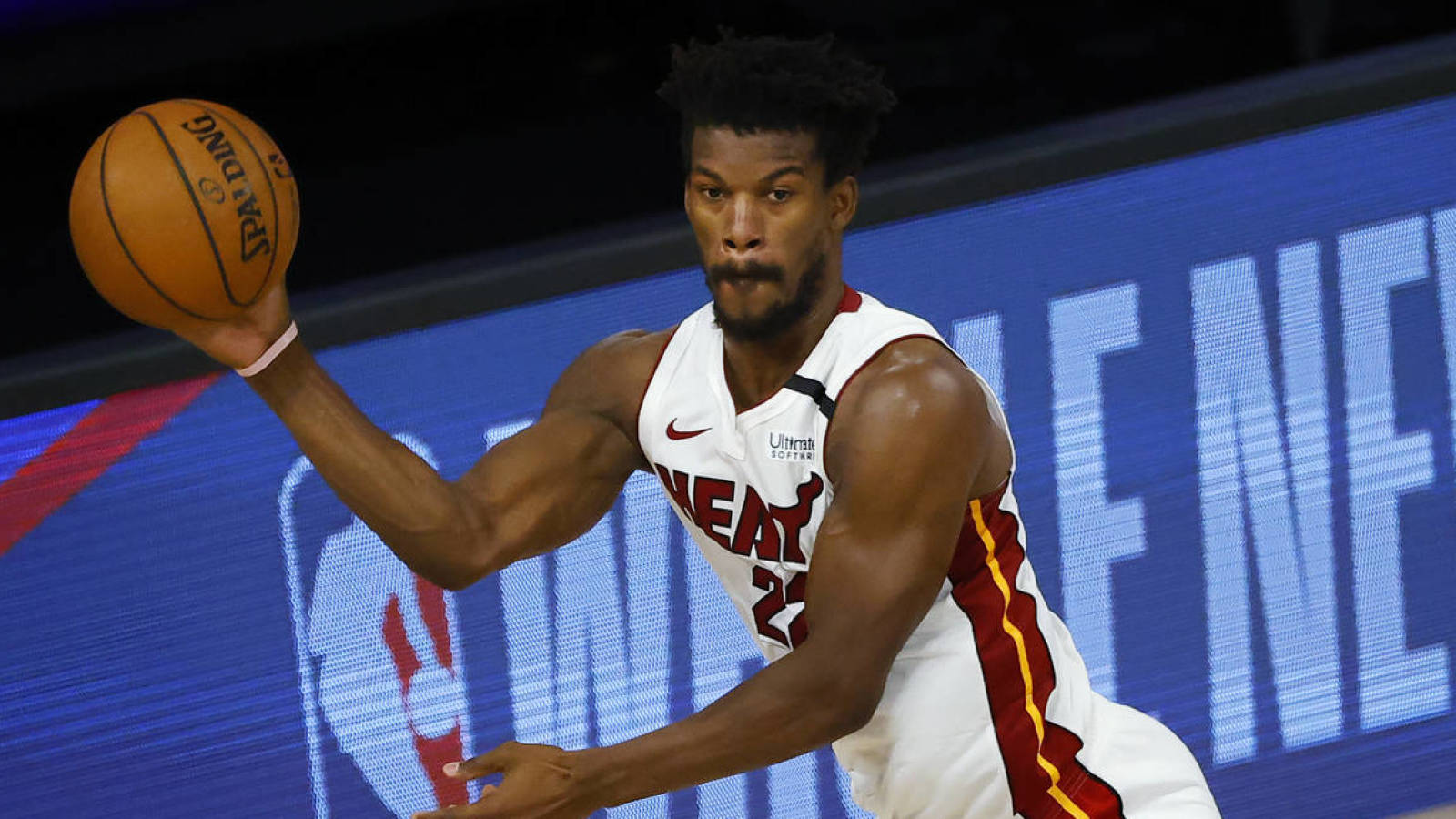 Heat S Jimmy Butler Will Miss Third Straight Game With Sore Foot Yardbarker