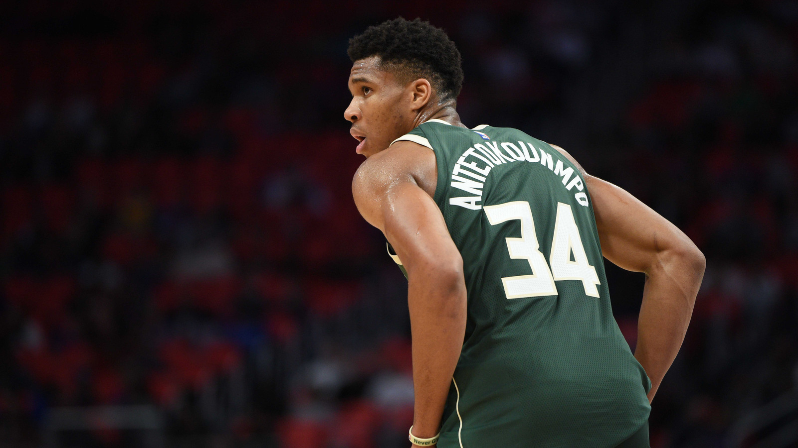 Report: Nike working on signature shoe line for Giannis Antetokounmpo | Yardbarker.com