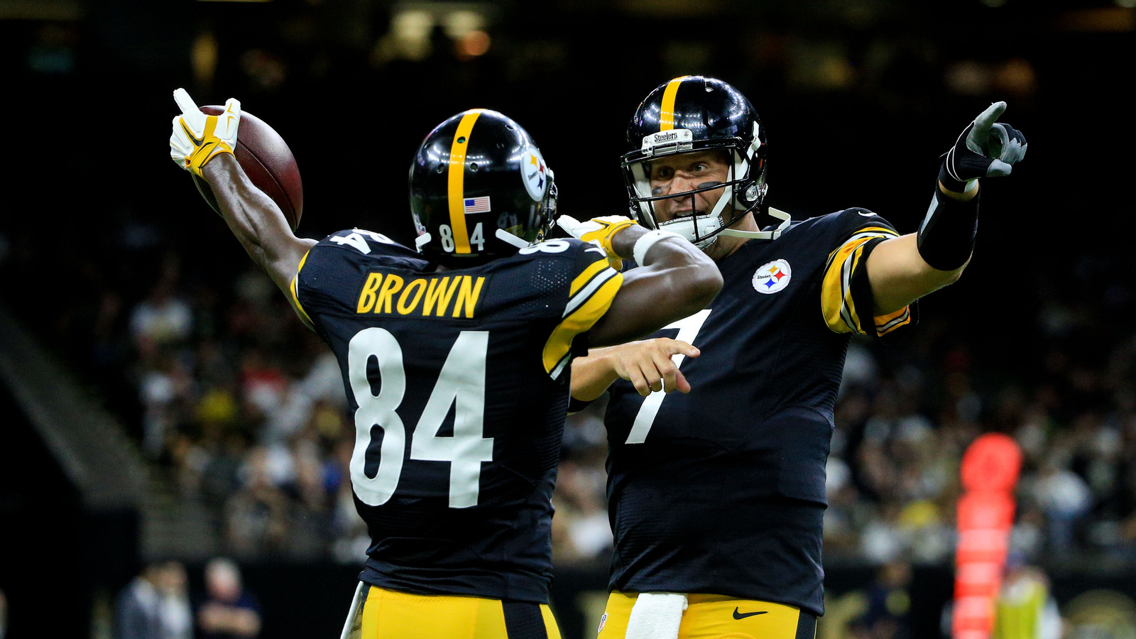 Antonio Brown reportedly at odds with Ben Roethlisberger over