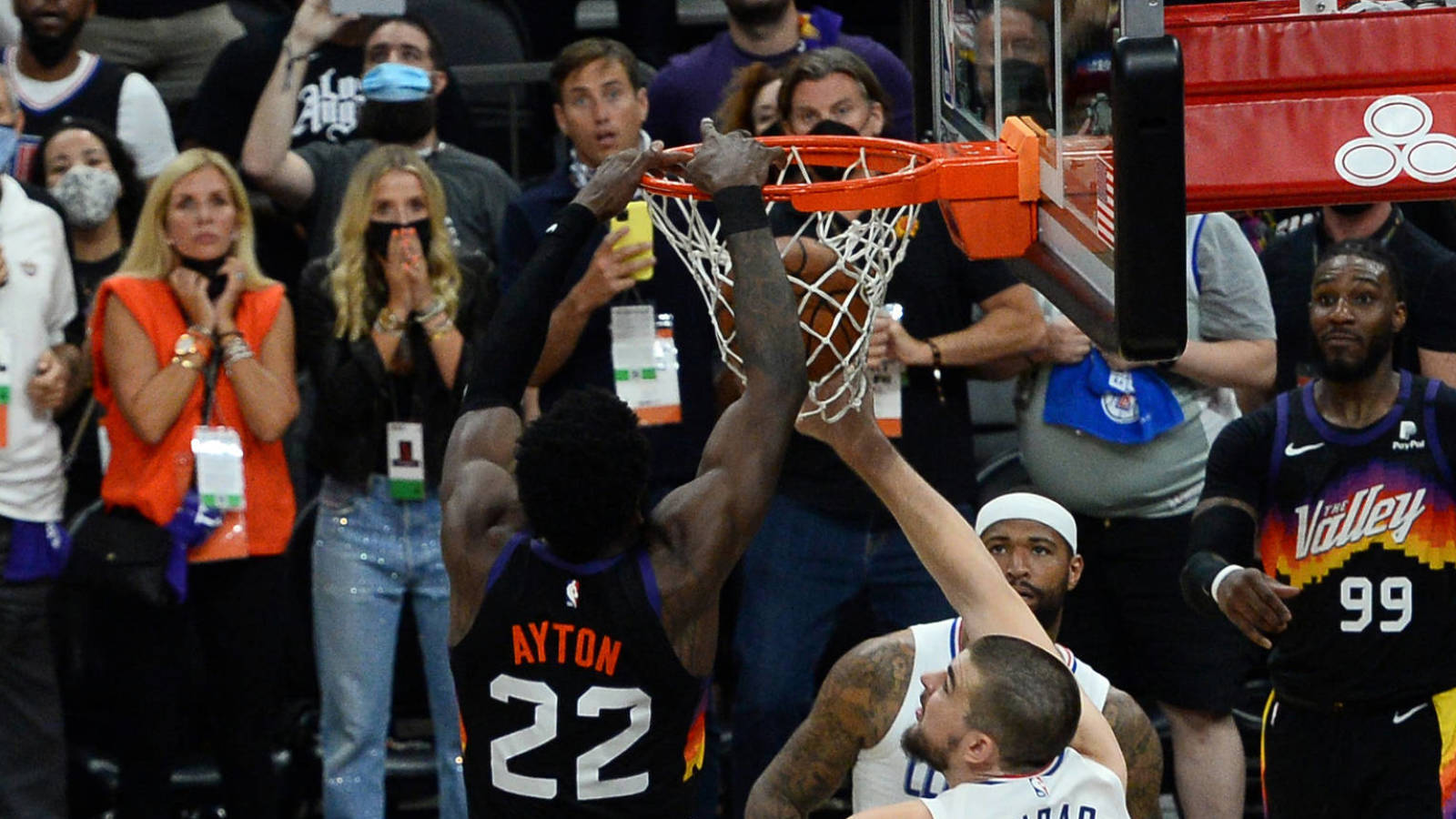 Sun's beat Clippers in the last second of Deandre Ayton alley-oop
