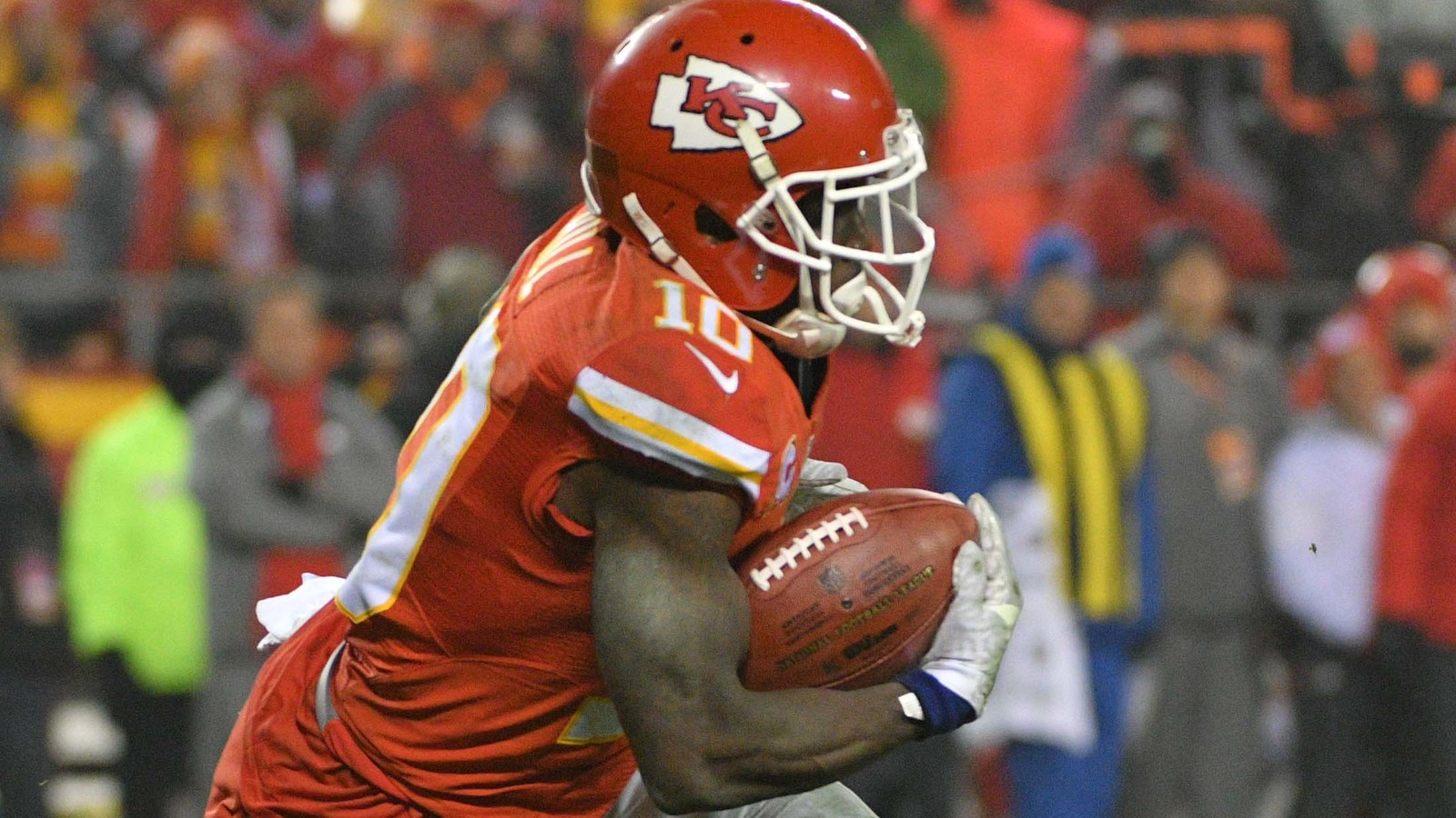 Tyreek Hill taunts Patriots after scoring 75-yard TD