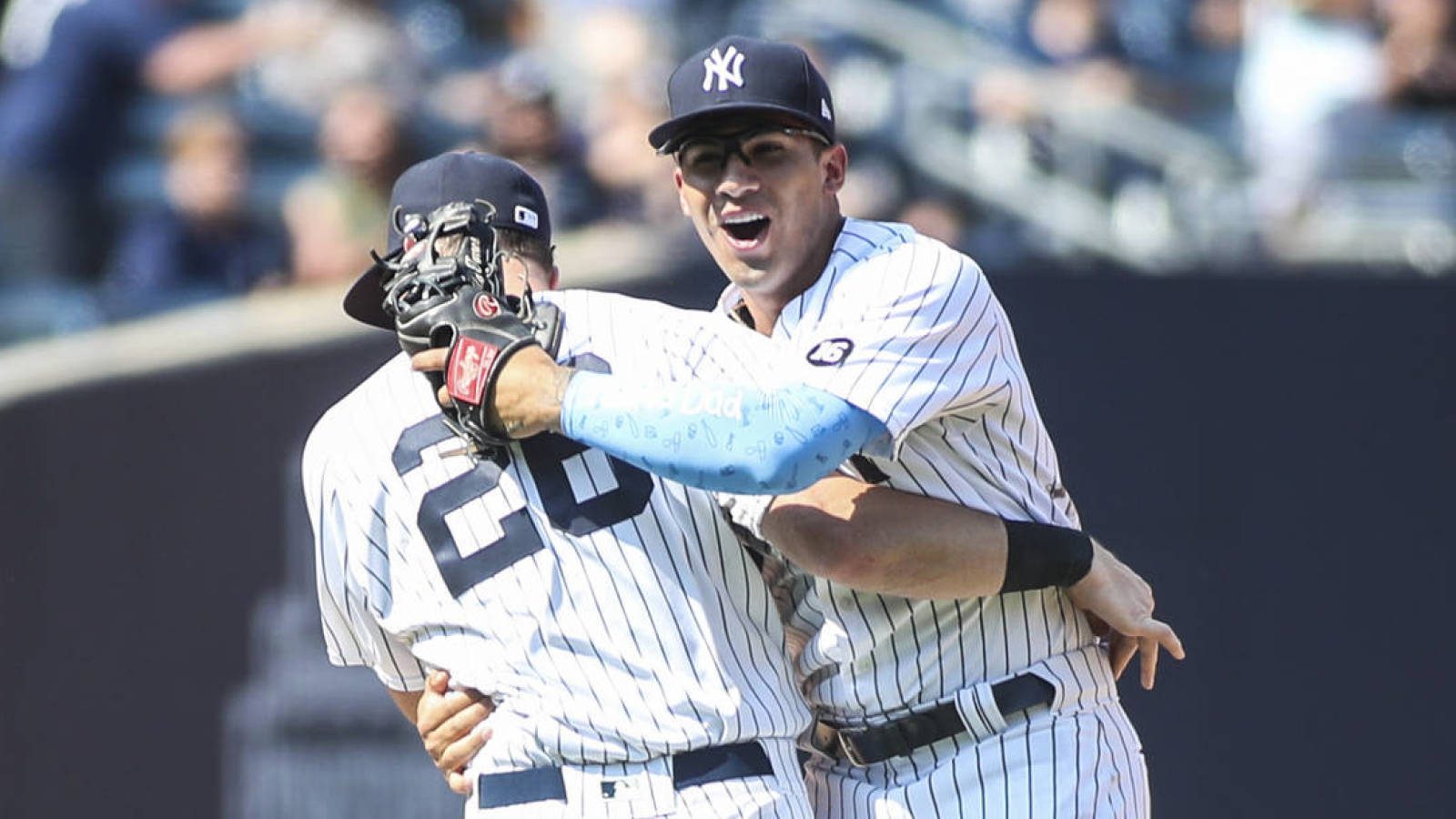 Yankees seal victory with triple play to tie MLB record