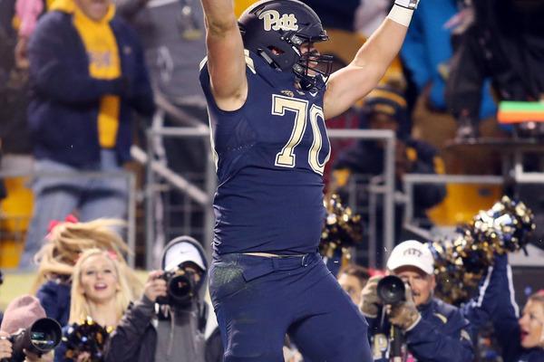 WATCH: Pitt 300-pound OL Brian O'Neill scores touchdown | Yardbarker ...