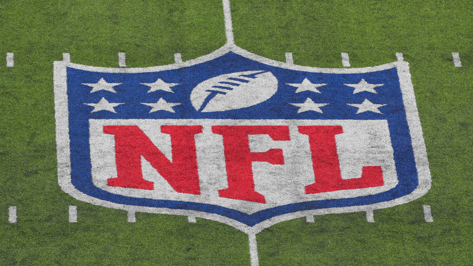The NFL wants to identify unvaccinated players during games and practices