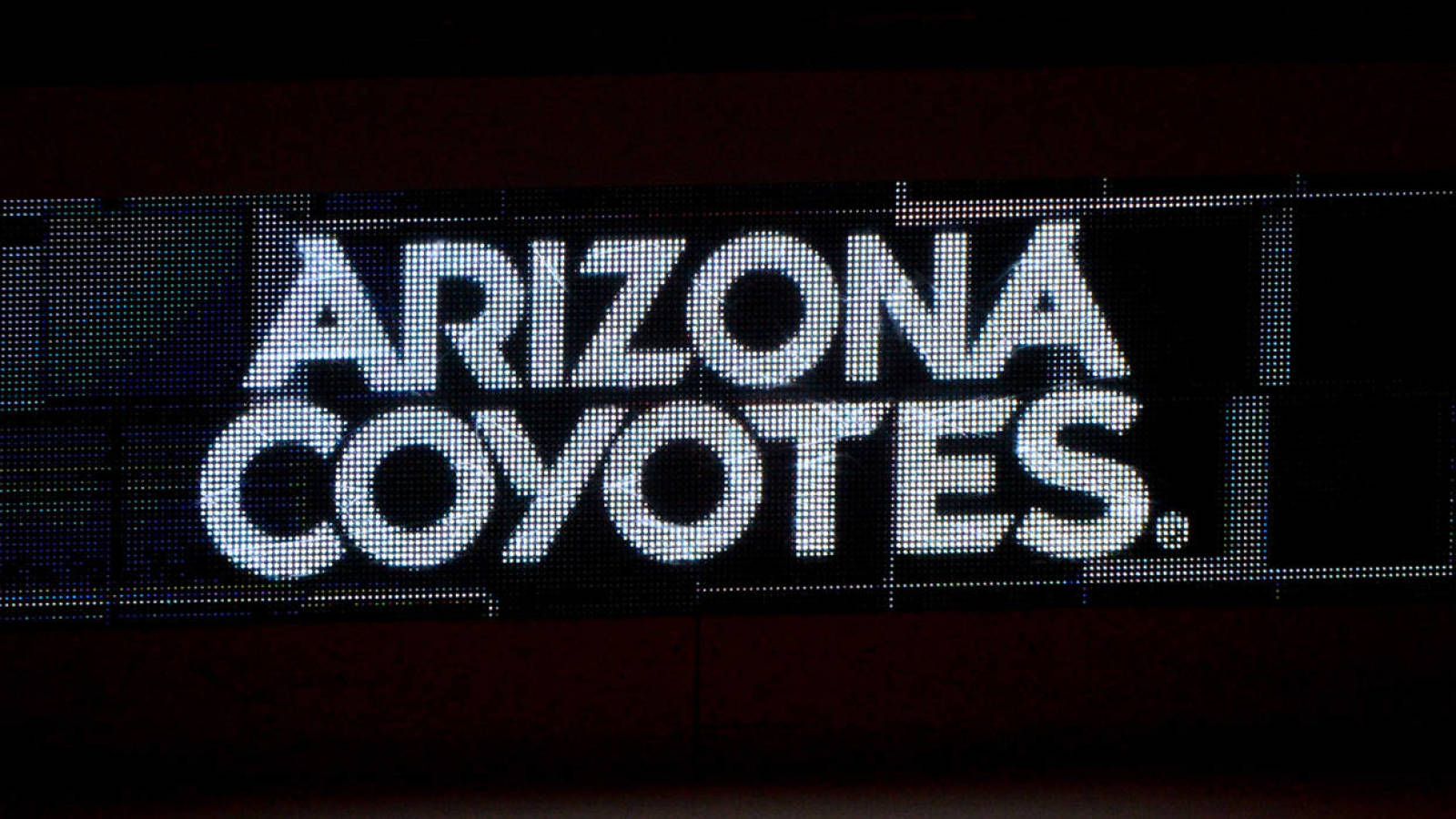 Report Coyotes Interview Sean Burke For Open Gm Position Yardbarker