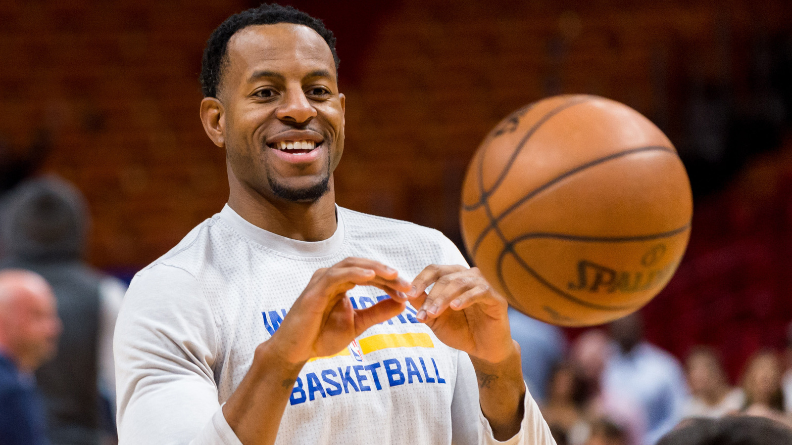 Grading the deals warriors re sign iguodala shaun for Mitchell s fish market tampa