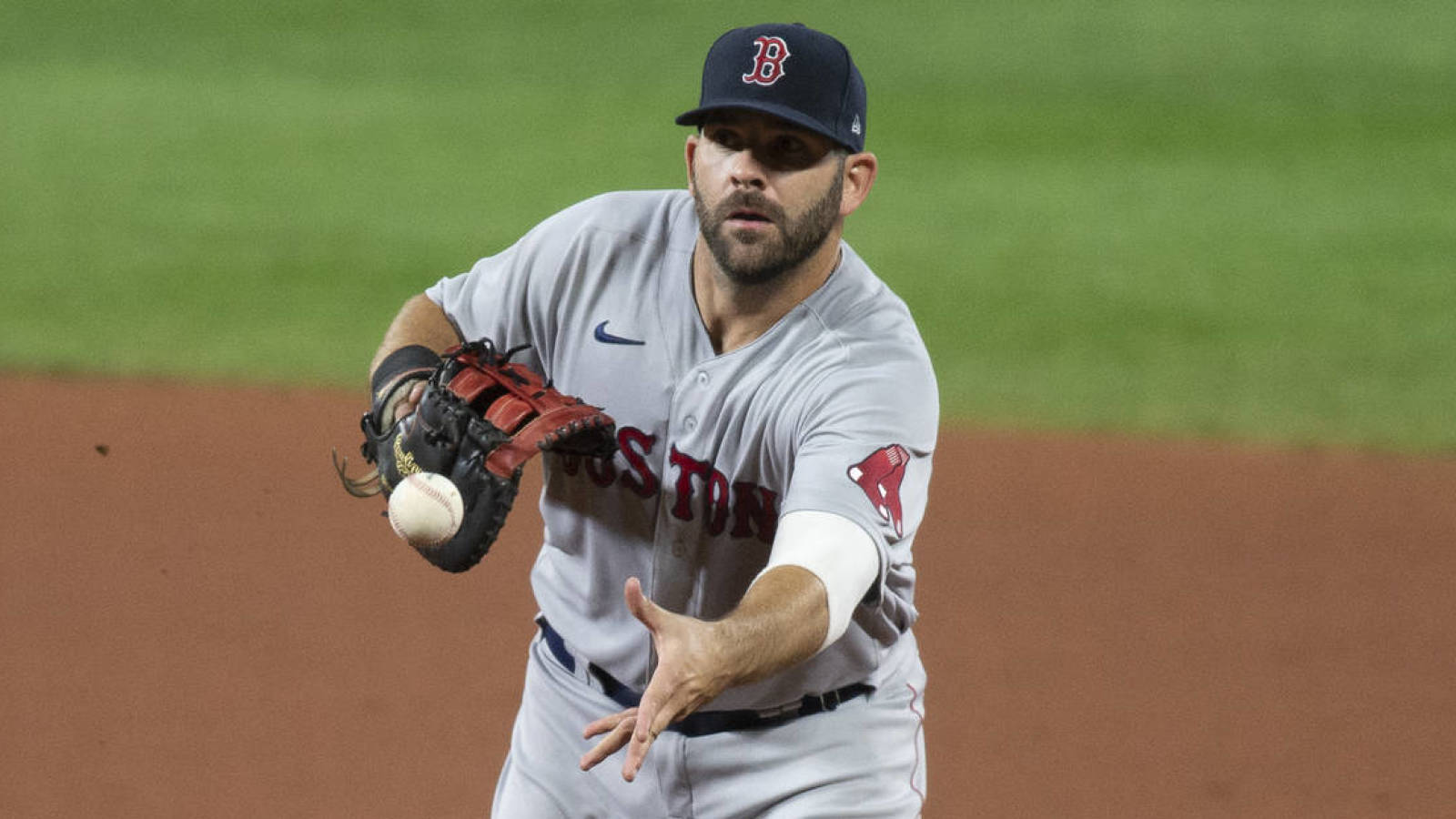 Red Sox trade Mitch Moreland to Padres ...