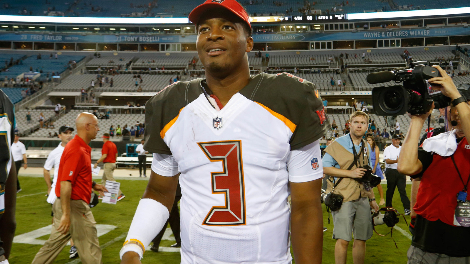 Bucs GM calls Jameis Winston best leader he s been around