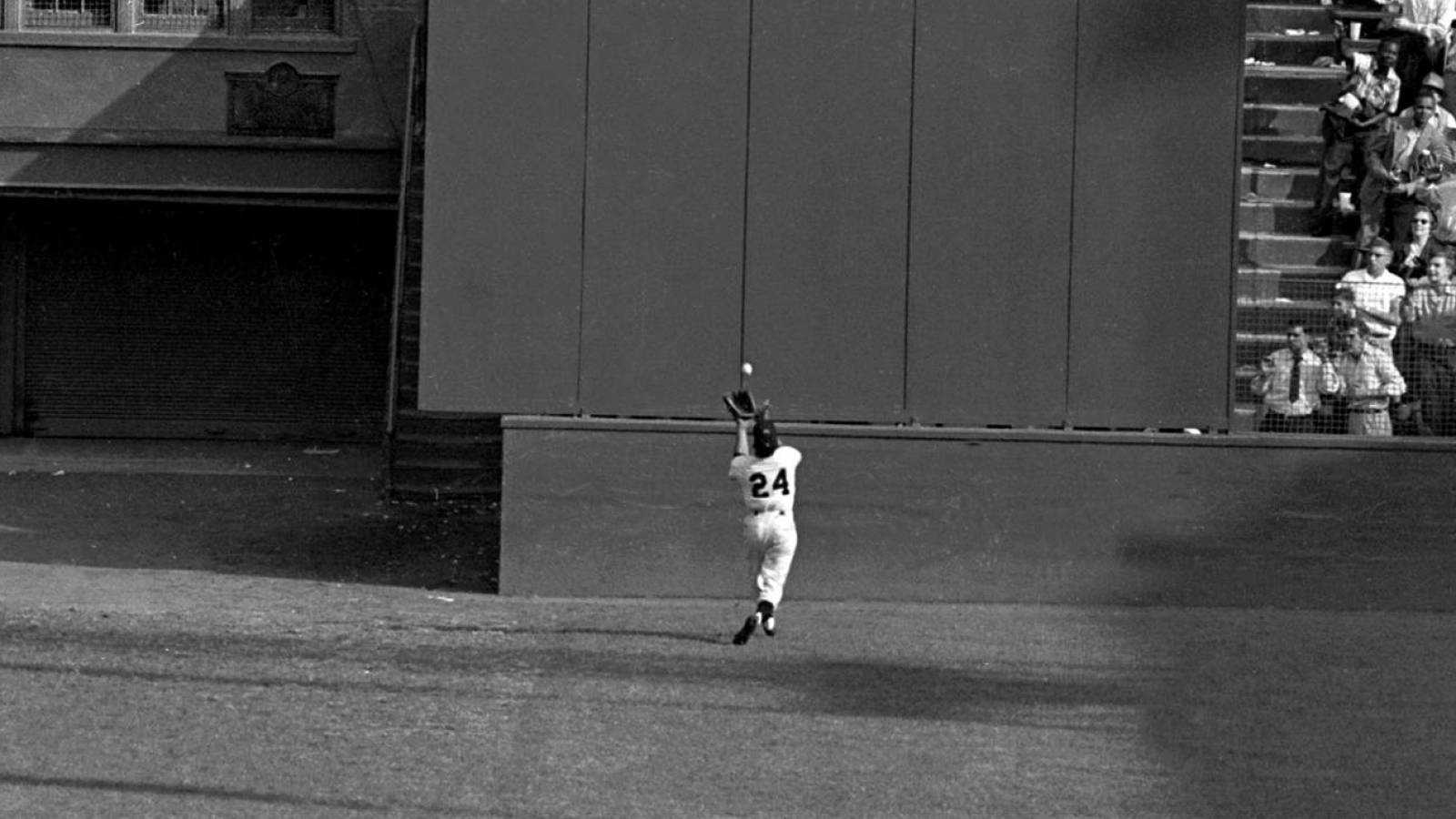 Willie Mays leaves mark on baseball's biggest postseason award