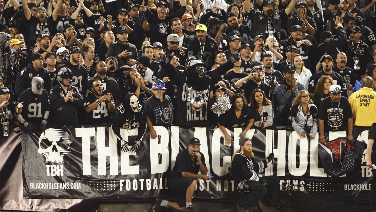 Raiders fans appear to be recreating Black Hole...