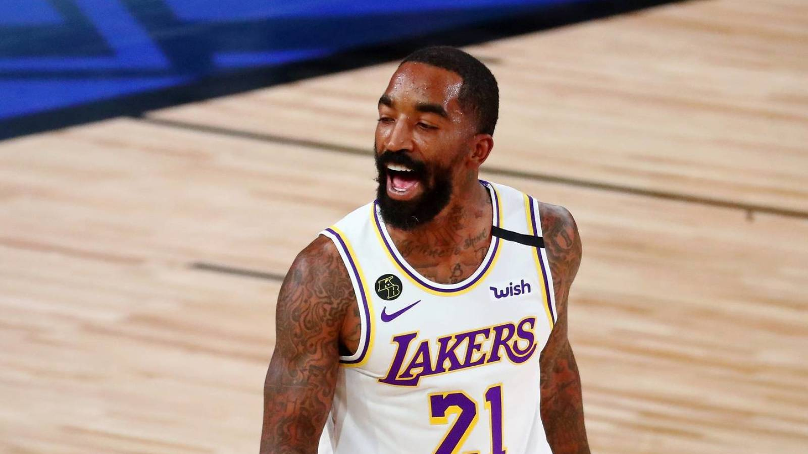 JR Smith wasted no time going shirtless when Lakers won ...