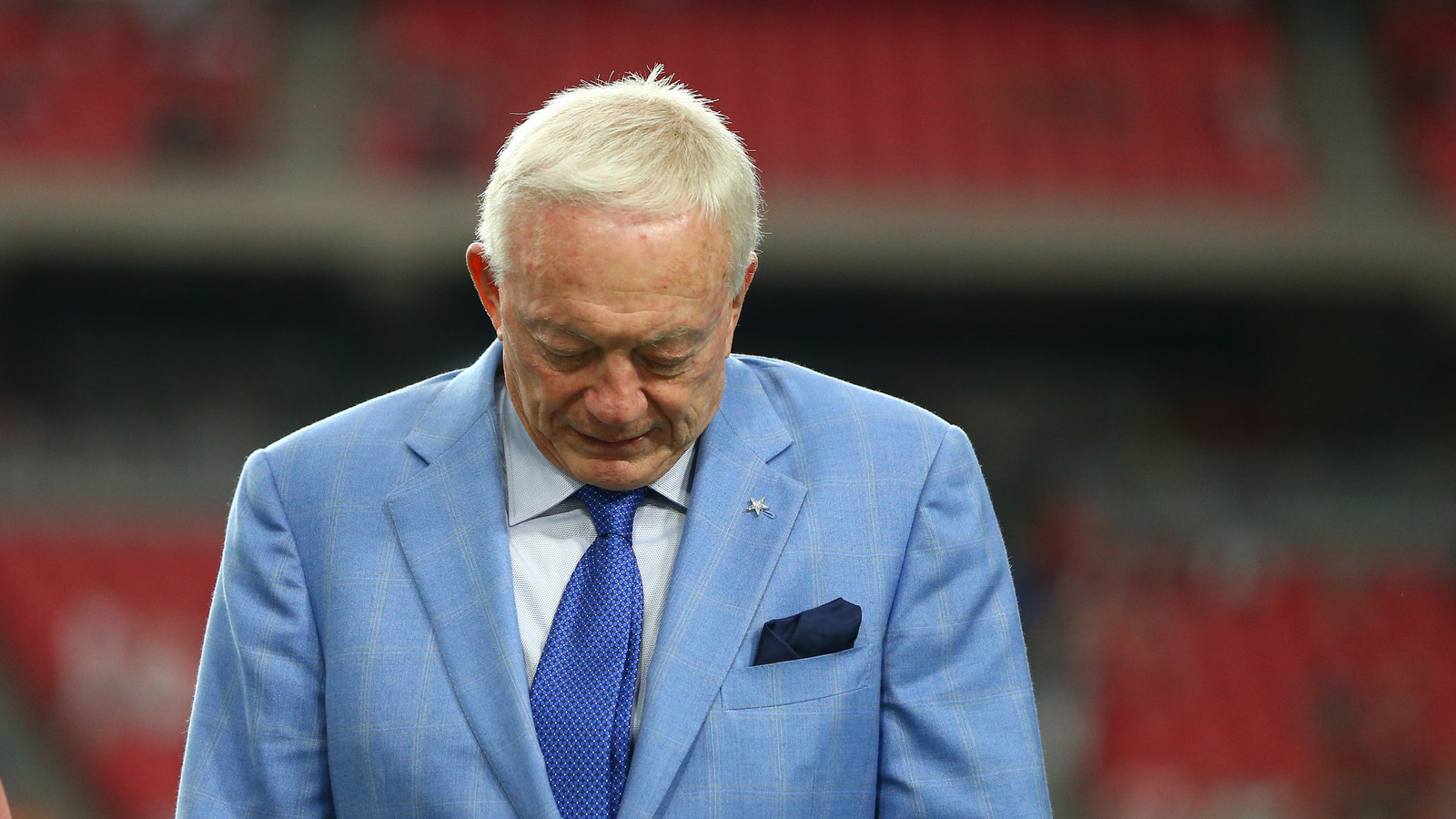Jerry Jones says Dallas Cowboys were not influenced by Trump phone calls