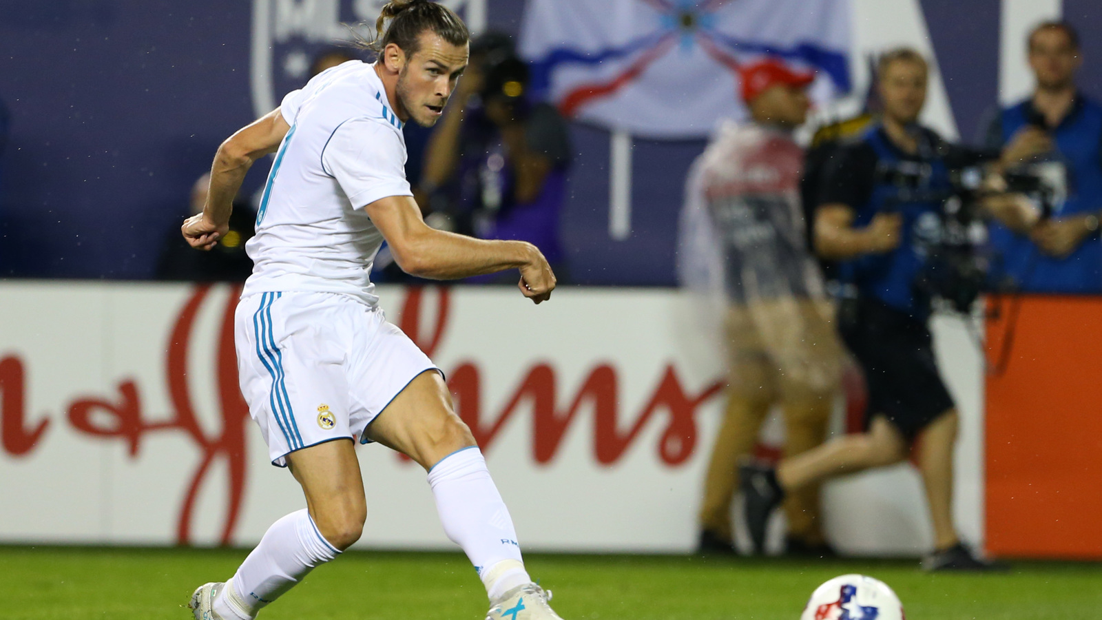 kick Gareth Bale in  goal amazing Watch bicycle score