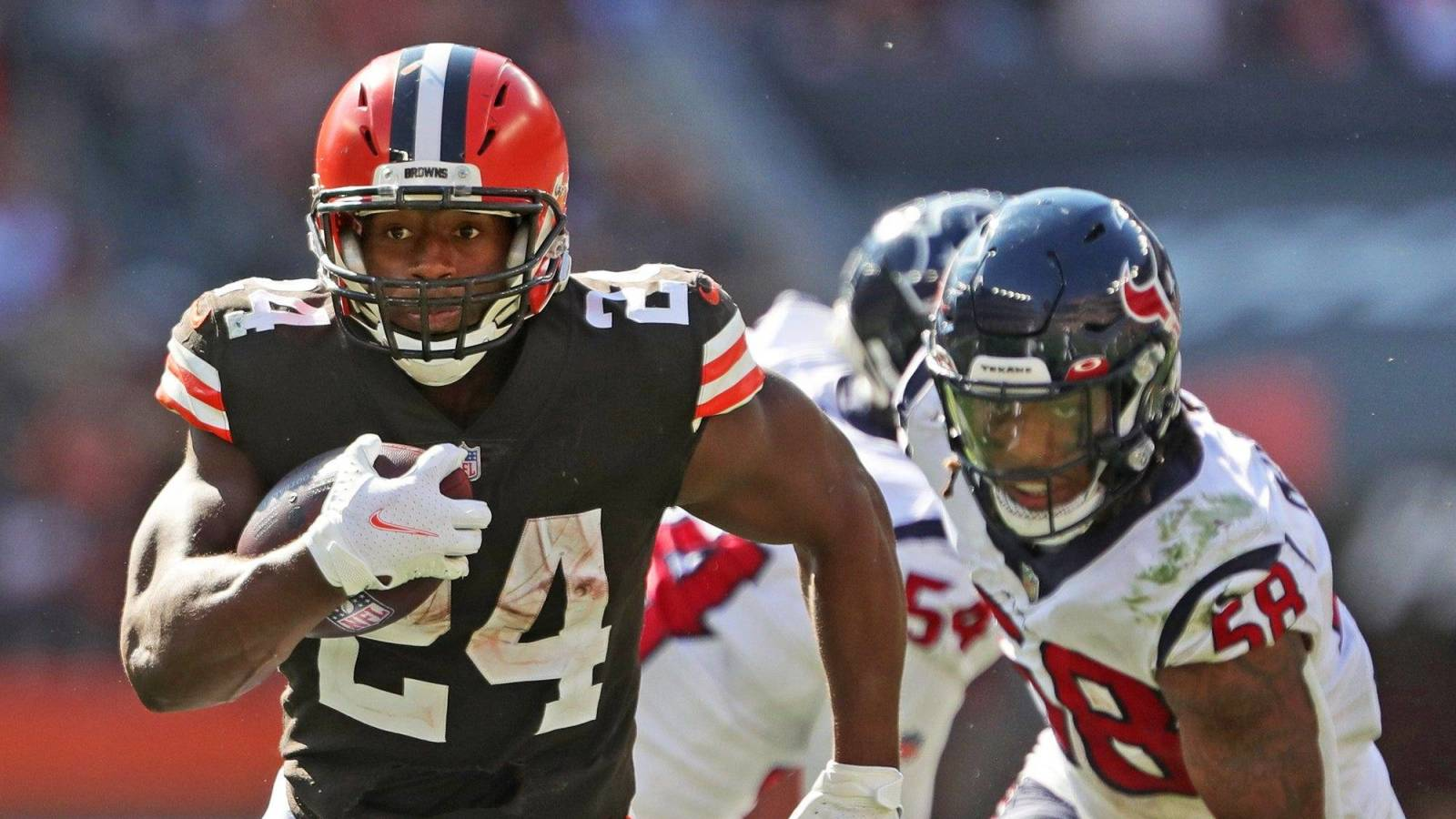 Browns RB Nick Chubb to miss Cardinals game due to calf injury