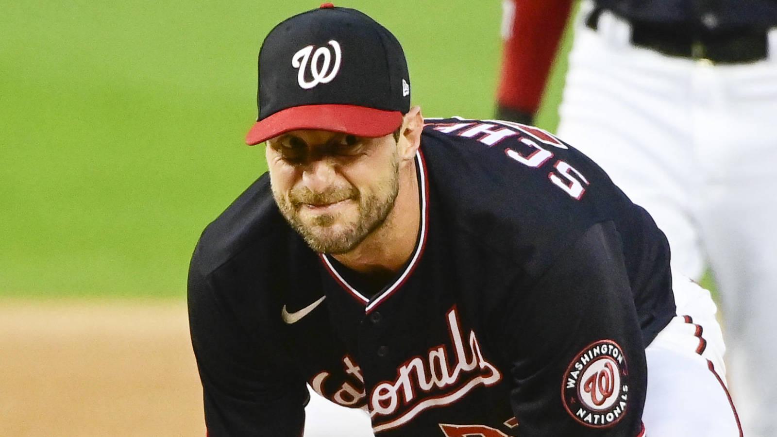 Scherzer jokingly tells umpires to check Harper's hair
