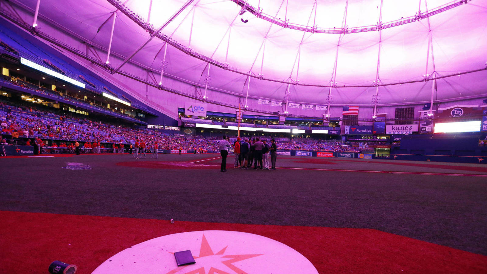 Storm causes power outage, delaying Angels-Rays game