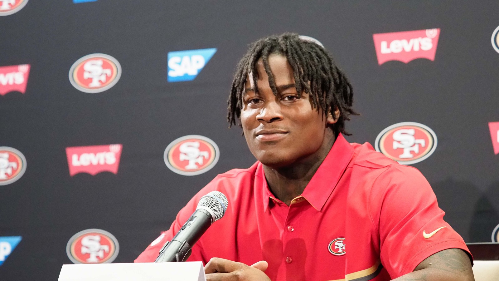 Report reuben foster 39 s shoulder injury scared away teams for Knights landing fishing report