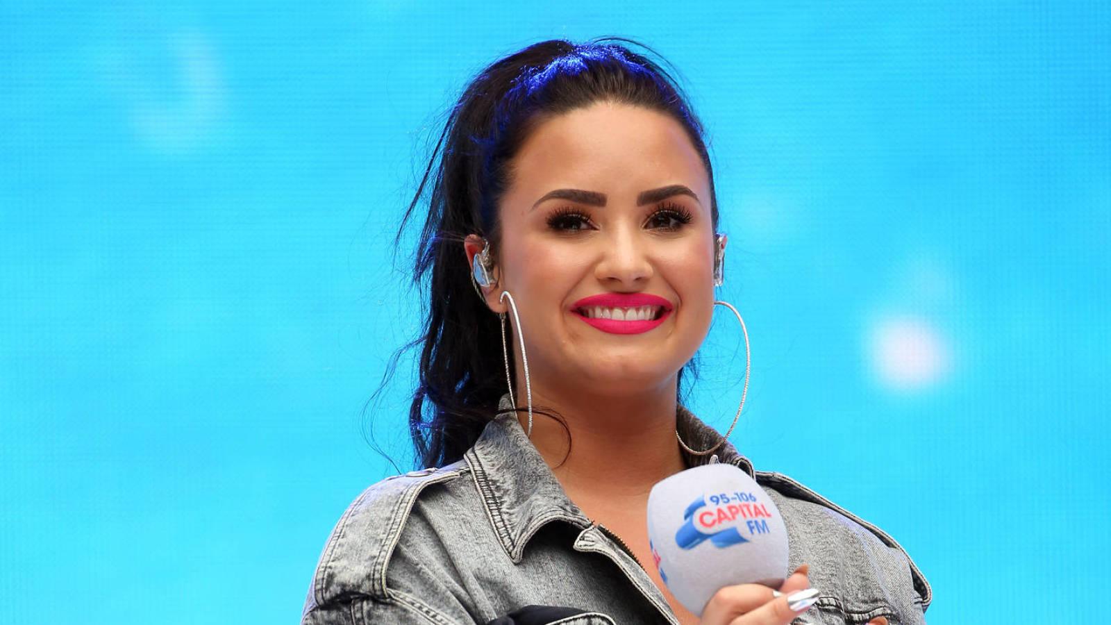 www.yardbarker.com: Demi Lovato launching her own podcast