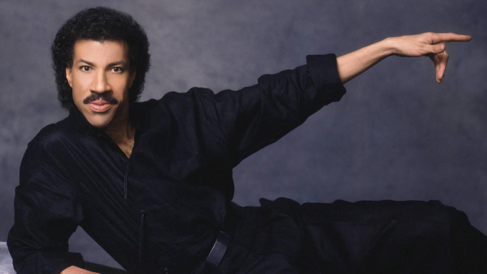 The Ultimate Lionel Richie Playlist Yardbarker