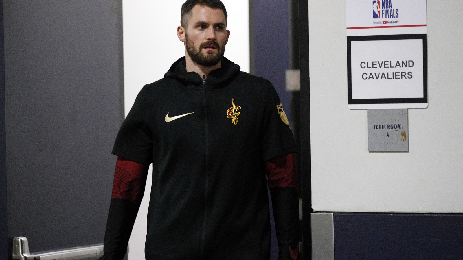 Kevin Love Roasted Over Haircut During Game 2 Of Nba Finals Yardbarker