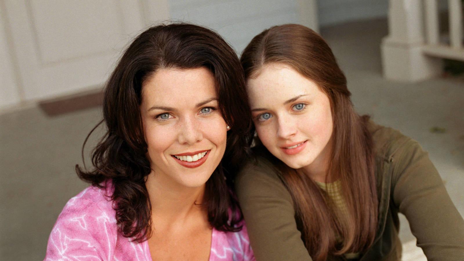 www.yardbarker.com: Lauren Graham marvels over 'Gilmore Girls' continued relevance: 'It's way more popular'