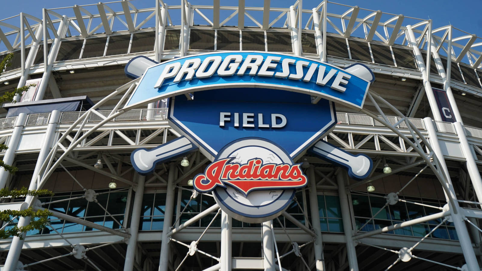 Indians agree to 15-year lease to stay in downtown Cleveland