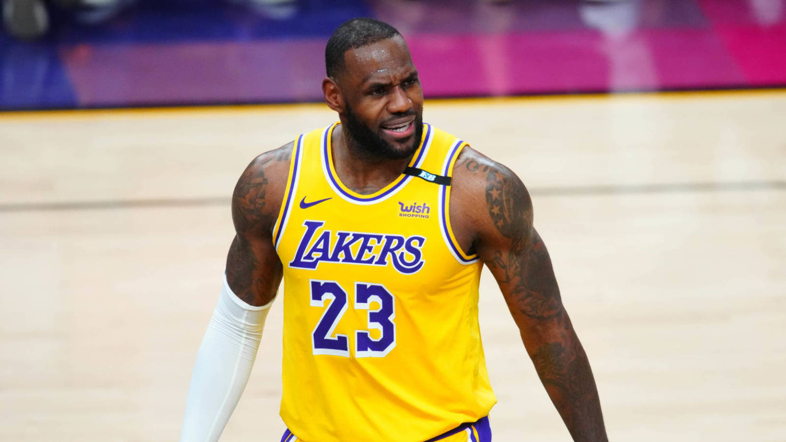 LeBron changes jersey number back to No. 6 next season
