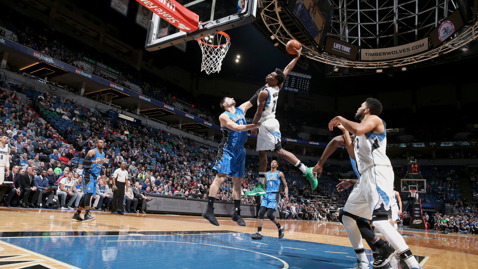 watch andrew wiggins violently posterizes nikola vucevic
