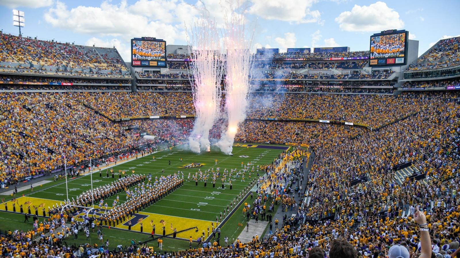 The 25 best college football stadiums
