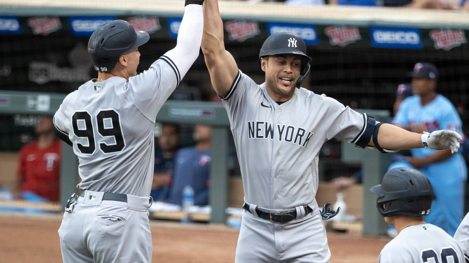 The questionnaire 'Yankees to reach more than 40 HR'